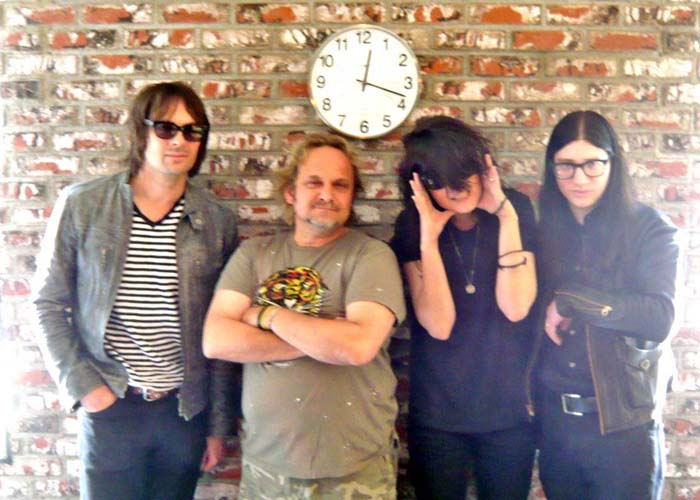xl Dead Weather3